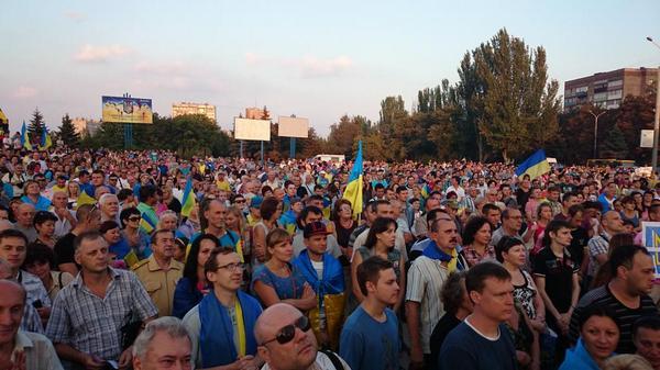 Жители Мариуполя все никак не могут понять, от чего их идет спасать российская армия http://t.co/aEhzzdOt11
