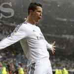 RT @diarioas: Cristiano Ronaldo gana el premio al Mejor Jugador de la UEFA http://t.co/t4WGyTjpsu http://t.co/laXGhDLnoR