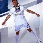 RT @FutbolModerno_: Cristiano Ronaldo 2013-14 ✓Balón de Oro ✓Bota de Oro ✓Pichichi ✓Copa del Rey ✓Máximo goleador d UCL ✓Champions League http://t.co/KGhzpJfnRa