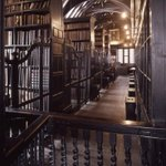 RT @Lit_Books: The Oldest Public Library In The English Speaking World* Chetham Library, founded in 1653, Manchester, England* · http://t.co/9rdwag6reB