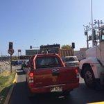 RT @callesyhoyos: #Antofagasta balmaceda/Prat 14hrs: ingresan camiones y bloquea transito, sólo acá @CristhianAcori @haroldrivasm RTT http://t.co/DyHpvSlk8k