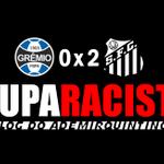 """RT @ademirquintino: """"COM UMA MÃO NA VAGA"""" #Santos vence o Grêmio por 2 a 0 e Aranha é vitima de racismo no Sul, http://t.co/C3Mno7zmx2 http://t.co/kfZIniKyvh"""