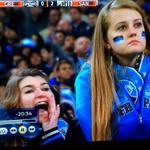 RT @NosTrendsBrasil: #FechadoComOAranha - Uma torcedora do Grêmio chamou o Goleiro do Santos de Macaco. Torcedores mostram apoio. http://t.co/1WLlL3WIAT