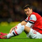 RT if you support @MesutOzil1088 through thick and thin! #afc http://t.co/UrORF1aHL6