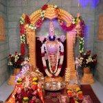 Namaskar. Aap sab ko Ganesh Chaturthi ki hardik Shubhkaamanaayein. http://t.co/hx1ccJPCWg
