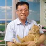 RT @kyunghyang: 한국의 최초의 고양이 역장 다행이가 시민들의 사랑을 받으면서 역곡역의 마스코트가 됐다고 하네요. 다행이를 역장으로 임명한 김행균 역곡역장의 인연 #귀엽다냐옹http://t.co/wA0CCMRkW6 http://t.co/eZjjewQULl