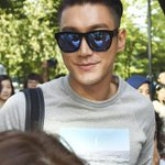 RT @SUPERJUNlOR: [NEWSPIC] 140829 Siwon at KBS Building! http://t.co/4iCCXyOeUo