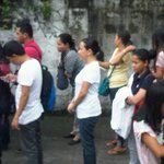 "RT @tr1pnautic: ""@JCudala: @PolitikoPh Grace Poe standing in line at MRT station... (North Edsa) http://t.co/SGUhCMInI0"" wow!!!"