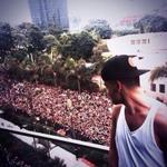 "RT @viihbeatriz_00: : Hey Liam olhe pra trás, seus convidados chegaram ;;;;; #HappyBirthdayLiamFromBrazil http://t.co/Nt4NhD7bGH"""