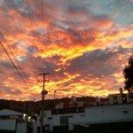 "#UnaFotoBUC ""@fersaenzd: Un hermoso amanecer, gracias a la infinita misericordia de Dios. @Bucaramanga http://t.co/eQNQ0Dlmn7"""