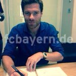 Photo confirmation of Xabi Alonsos move to Bayern Munich. Hes joined for just €8m. (Source: fcbayern.de) http://t.co/rxVJGTyrdS