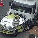 RT @g1: Acidente mata taxista e trava a Linha Amarela, no Rio http://t.co/aijE0UQrbF #G1 http://t.co/b4JgRIJzoq