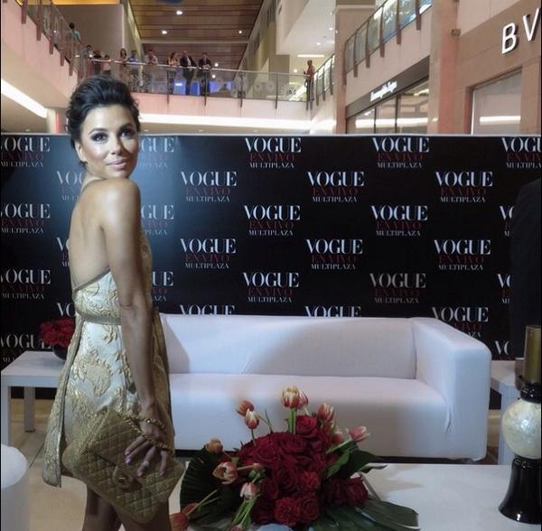 Adios Panama! Great night celebrating #VogueEnVivo with @EvaLongoria and @VogueMexico #TeamEva http://t.co/pICjlsTgHv