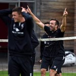 RT @LFC: PHOTO: Looks like @Jesanchez3 was on the winning side in head tennis #LFC http://t.co/3L0GdLAJkB