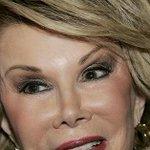 RT @ecuavisa: Hospitalizan en Nueva York a la comediante Joan Rivers http://t.co/zON3eomnsm http://t.co/0lnq5JtqGW