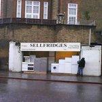 RT @glpLondon: These guys sell really premium fridges. #London http://t.co/hsozV27pOD
