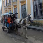 """""""@KarelBecerra: #CubaReal Transporte tipico en la ciudades socialistas del castrismo #Cuba http://t.co/MhzdIHHeds""""@marmontilla @Abgcgrr"""