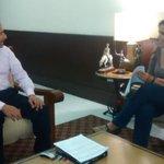 RT @ColimaMunicipio: En reunión de trabajo, el presidente @rangellfederico y la directora de Fomento Económico, @carovenegaso. http://t.co/F9jRlYWLtO