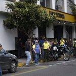 Con metralletas asaltan agencia del Banco Pichincha en #Quito: http://t.co/Wbwwx2S47y Foto: @fotoestuardo http://t.co/9H95fQVeXV