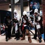 RT @UbisoftCanada: The Brotherhood unites! #UnityExperience #FanExpoCan #ACUnity http://t.co/RWne46g54a