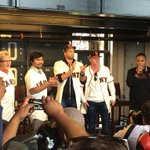Tonights special event, a Q&A with @MannyPacquiao and @ChrisAlgieri in Triples Alley #SFGiants http://t.co/L8gpjn4Wn4