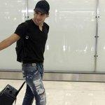 "RT @danrocha7: @AdrianaVargasNY RT Falcao en el aeropuerto de Barajas será que ya es merengue ? http://t.co/jEHTl52LBj http://t.co/s31Ec3iHu4"""