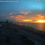 RT @webcamsdemexico: Hermosos colores en el cielo de San Francisco de #Campeche hoy al atardecer: http://t.co/GMHUju5Szc