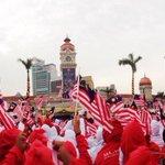 RT @syg_malaysia: Kami Sayang Malaysia! Disini Lahirnya Sebuah Cinta #Merdeka57 http://t.co/DdwLdLGuLP