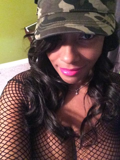QueenCherokeeDAss (@cherokeedassxxx): Shout Out To The Best Followers On Social Media!!!! http://t.co/mrW9YLwfUs