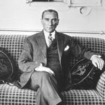 RT @DeridenTR: 30 Ağustos Zafer bayramınızı kutlarız. Mustafa Kemal Atatürkü Sevgi ve Saygı ile anıyoruz. http://t.co/a7BUSa19cc http://t.co/uRgKlMJSeV