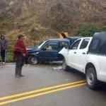#Atención: Accidente de tránsito en la vía Loja-Saraguro. (Cerca de la entrada a Santiago) cc @EcotelRadio http://t.co/K7grfceJJ4
