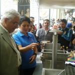 Alcalde de #Loja @chatojobol recorre stand en #FeriaTurísticaProductiva de #Malacatos http://t.co/1vyNKNGIZf