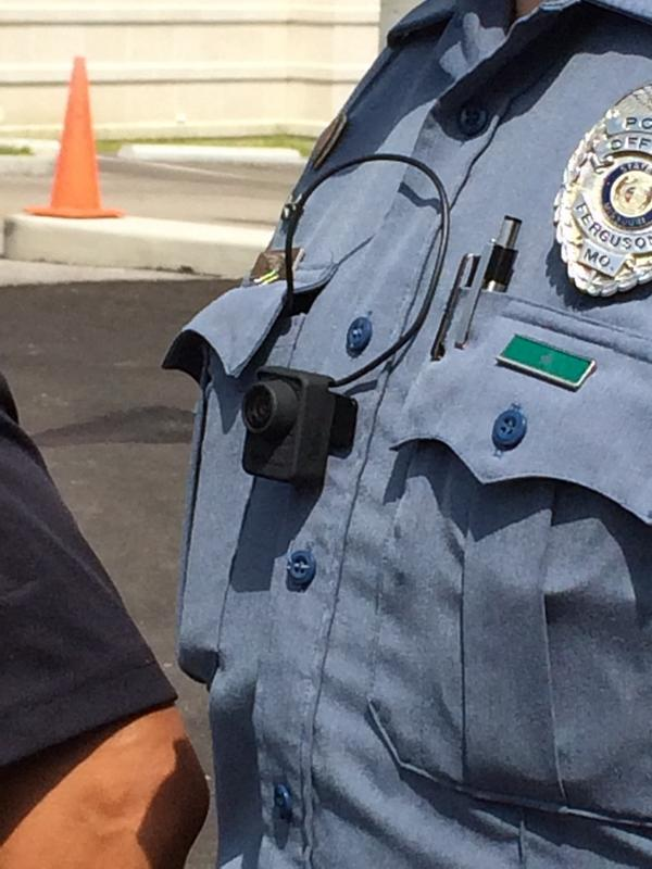 Retweet if you agree every police officer in America should wear a lapel camera. http://t.co/MTrGVyAQFR #Ferguson #UniteBlue