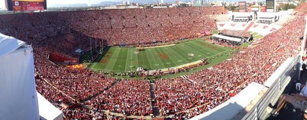 #usc hasn't looked this explosive since Leinart and Bush were here. Trojans up 21-0 in the 1st http://t.co/9Go7bvclDw