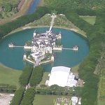 Yes S. Fla has a castle. RT @SkyforceHD: SkyforceHD over D.Wades wedding site, best wishes to the newlyweds! http://t.co/AMFALcyc4t