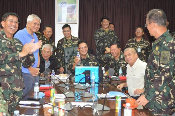 """Applause and sighs of relief as Philippine contingent reports to SND, SFA, CSAFP: """"All troops accounted for, sir!"""" http://t.co/1nEHneRCRr"""