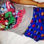 Buena combinación para dormir jijiji Les deseo dulces sueños 💤🙏👼 http://t.co/pntNvby2n9
