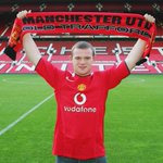 Ten years ago today, Wayne Rooney signed for #mufc. How time flies... http://t.co/tqf4W3s9Bm