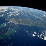 RT @astro_reid: #Florida and the #Bahamas early Sunday morning. http://t.co/fCbpb1MpLB