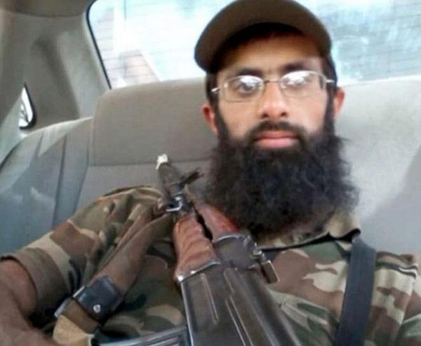 ISIS fighter who plans to 'bomb the UK' is unmasked as Morrisons security guard http://t.co/7K50Ib1Mvv http://t.co/RYaEEfAcFn