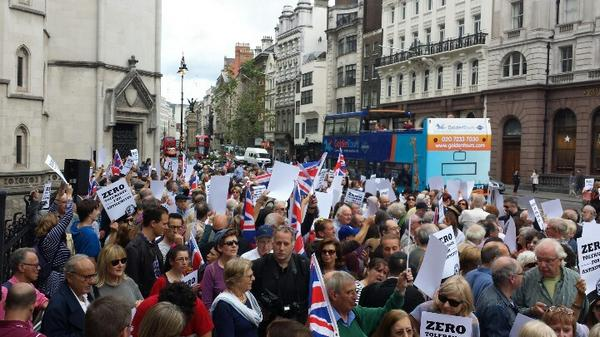 Fantastic turnout for our #NoToAntisemitism rally in London http://t.co/4vHSzEsvqK