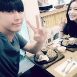 they are labelmates but they still couldnt meet up and eat together for a long time already https://t.co/dZn3NOkMka