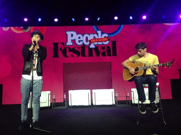 #Hunters! Check out @matthunter123 at #FestivalPeople singing his heart out! http://t.co/OJfFCS3teP