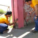 RT @HernandoGarzon: Con el dirigente @juancgarridog y concejales @JUANPCD @Lenny_daniel recuperando Cancha Barrio Los Caobos #Barinas http://t.co/j2QdQJX7Ky