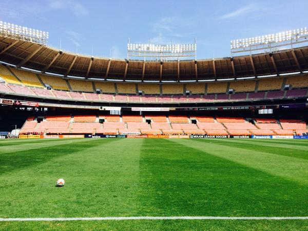 Venerable RFK Stadium for #DCvNY at 2:30pm ET @NBCSN Major @MLS implications. Fierce rivalry. Should be fun! http://t.co/AQOAMtQjUZ