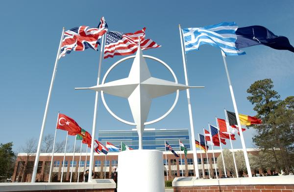 At @NATO summit, countries must face reality that some are more equal than others http://t.co/rfxvR6Qzxj by @JarnoLim http://t.co/Sk5anXv69Q