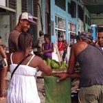 EN CUBA LA INTELIGENCIA NO TIENE SENTIDO, EL SER PROFESIONAL NO ES IMPORTANTE... NECESITAN ESCLAVOS DE LA REVOLUCIÓN https://t.co/W5ER6bhfSe