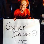 """RT @dirtymartinigal: This babe is my queen.""""@SFGiants: Never too old #SFGiants http://t.co/vmVLQi5gcA"""""""
