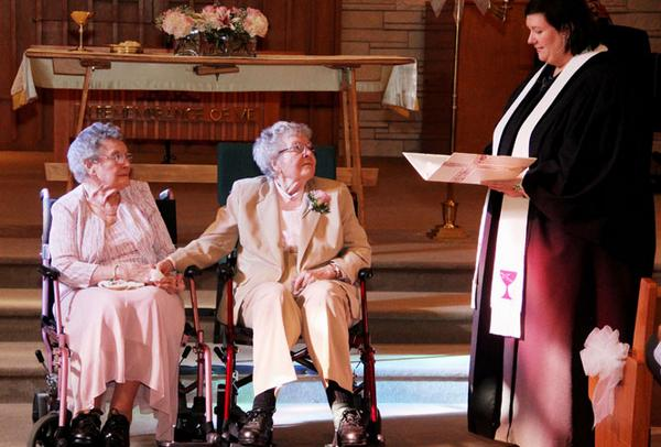 #Iowa couple marries after 72 years together - http://t.co/ZgprHqOza9 #gay #LGBT http://t.co/7X1aWw5qnS