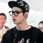 RT @Oh_GotJB: 140831 홍콩공항 8P (1) #GOT7 #JB #갓세븐 #제이비 #임재범 @Def_soul_JB http://t.co/0CeBAERy5M
